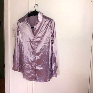 Satin oversized shirt in pastel lilac